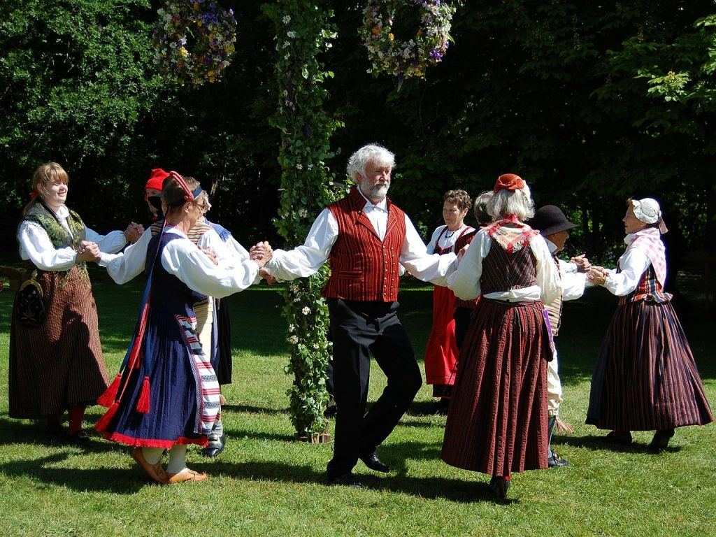 Swedne Folk Dance